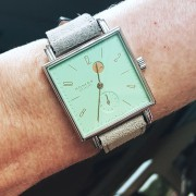 Hip to be Square: Nomos Tetra Kleen with its unique dial color & power reserve
