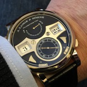 Uh, it's making a noise: Lange Zeitwerk Striking Time by BOB L.