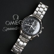 Unboxing: Omega Speedmaster Professional Moonwatch Hesalite