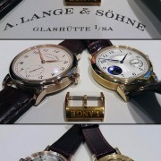 Honey gold patina: Lange's honey gold becomes quite yellow over time.