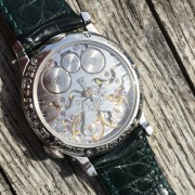 Is there a secret handshake? I'm finally lucky enough to own a Journe – FP Journe Resonance