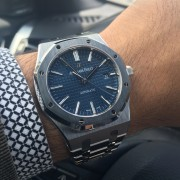 Two milestones. Two letters. One color. One watch – Audemars Piguet Royal Oak 15400