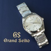 Unboxing: Grand Seiko Quartz SBGX063 – conservative in design, but with that spectacular dial