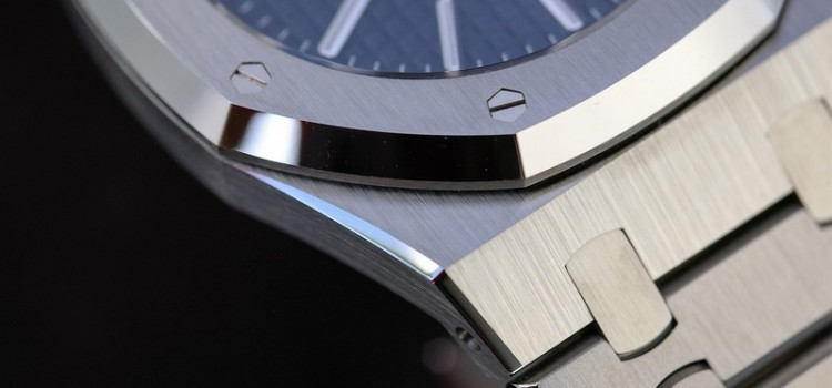 A few photos of my Audemars Piguet Royal Oak 15300 that just returned from Clearwater