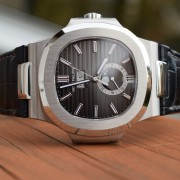 Superb macros of the Patek Philippe Nautilus 5726A Annual Calendar