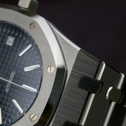 Little details that make a big difference – enamored by the case of my Audemars Piguet 15300