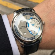 Always a little blue after the holidays – a special FP Journe Octa Calendrier
