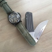 I think these pair nicely – Panerai Luminor Black Seal PAM785 x Fellhoelter Custom Knife
