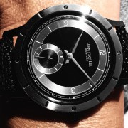As extrovert as a Hentschel can go: Hentschel H2 in black polished steel