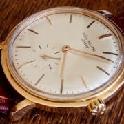 Some macro shots of a vintage Patek Philippe Calatrava 3415