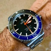 An owner's review of his Deep Blue Master 1000 2.5