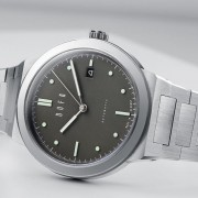 Introducing the Dufa Gunter Sport Automatic with integrated bracelet