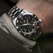 Grand Seiko launches the USA GS9 Club with the GMT U.S. LE Ref. SBGE263